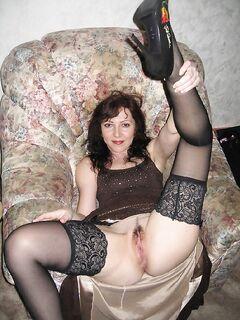 Русские бабы демонстрируют любовникам сочные киски и попы на камеру - секс порно фото