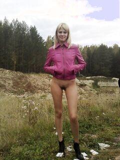Подборка эротических снимков частного альбома худощавой блондинки - секс порно фото
