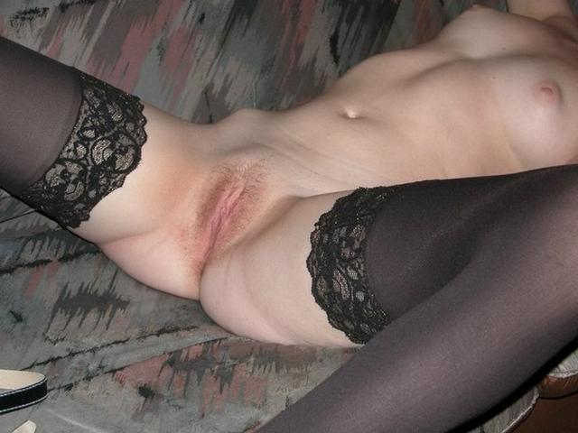 Русские жены позируют голые дома и наслаждаются кунилингусом от партнёров - секс порно фото