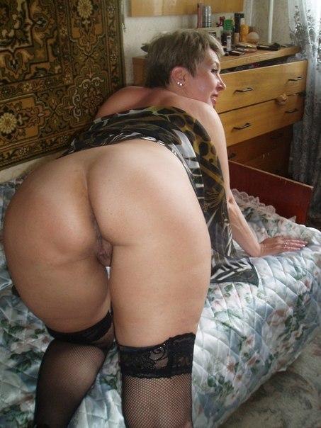 Пошлые снимки русских мамочек на отдыхе и дома - секс порно фото