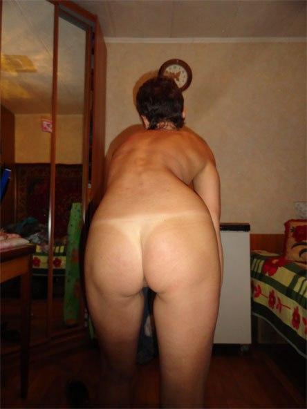Русские девки и опытные мамки позируют обнаженные на камеру - секс порно фото